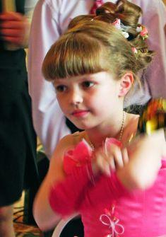 Детские прически с челкой на выпускной в детский сад фото